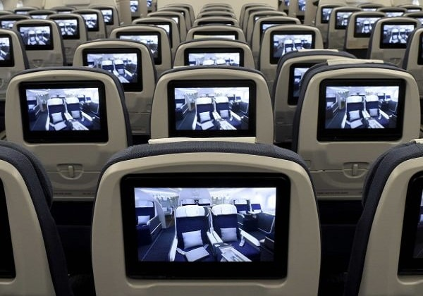 quels films regarder dans l 39 avion. Black Bedroom Furniture Sets. Home Design Ideas