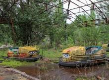 Parc d'attraction près de la centrale Tchernobyl en Ukraine. Tendance du tourisme noir