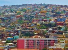 Vue d'une des nombreuses collines de la ville de Valparaiso