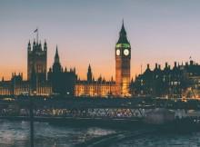 Vue de Big Ben et de la Tamise à Londres. Cadre du tournage Harry Potter