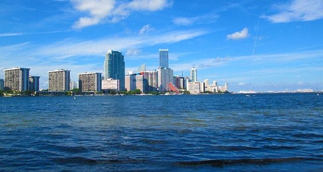 Top sites de rencontres Miami Quelle est la différence d'âge légal pour les rencontres dans l'Oregon