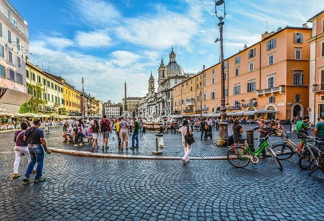 d couvrez le top 5 des plus belles places de rome visiter. Black Bedroom Furniture Sets. Home Design Ideas
